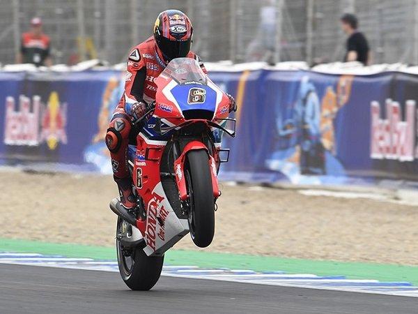 Bradl Mulai Sesumbar Usai Kalahkan Lorenzo di Jerez
