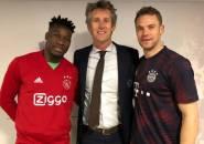 Berkelas, Neuer Hibur dan Beri Dukungan untuk Kiper Ajax