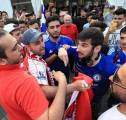 Bentrok Jelang Final, Penggemar Arsenal dan Chelsea Dilarikan ke Rumah Sakit