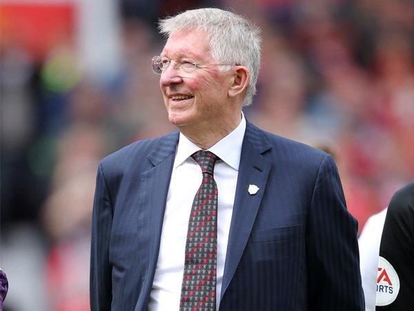 Ferguson Minta Manchester United Tiru Bayern Munchen
