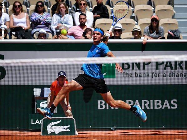 Hasil French Open: Untuk Kali Pertama, Stefanos Tsitsipas Tembus Babak Ketiga