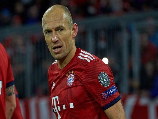 Agen Tawarkan Servis Arjen Robben Secara Gratis ke Lazio?
