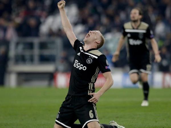 United dan Spurs Bersaing Dapatkan Bintang Baru Belanda