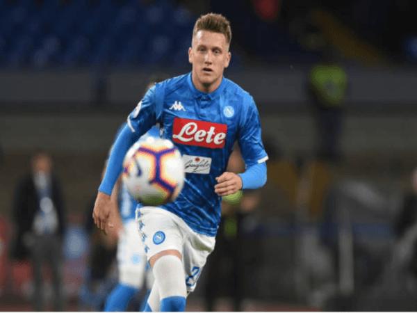 Masuk Incaran Inter, Napoli Tegaskan Tak Akan Jual Zielinski