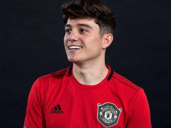 Giggs Ikut Berperan Dalam Transfer James ke Manchester United