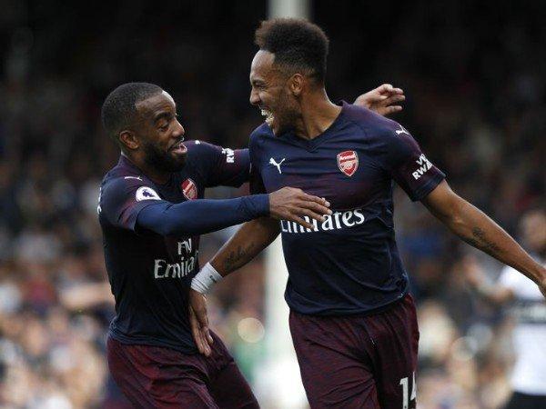 Arsenal Sodorkan Kontrak Baru untuk Aubameyang dan Lacazette