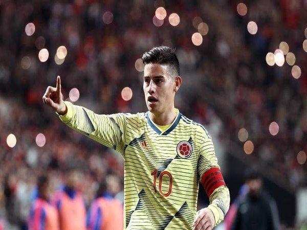 Adidas Dorong Kepindahan James Rodriguez ke Napoli