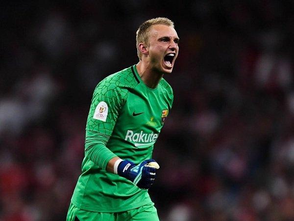 Barcelona Tunda Transfer Tukar Guling Cillessen-Neto dengan Valencia