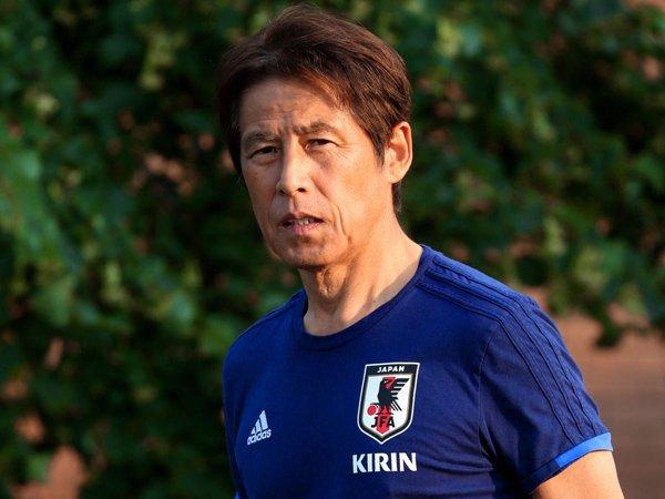 Image result for pelatih tim nasional Thailand Akira Nishino