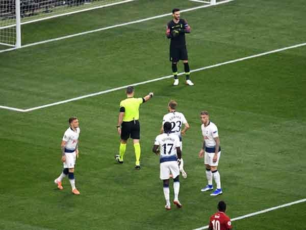 Belum Lupakan Final, Winks Masih Kecewa dengan Penalti Liverpool
