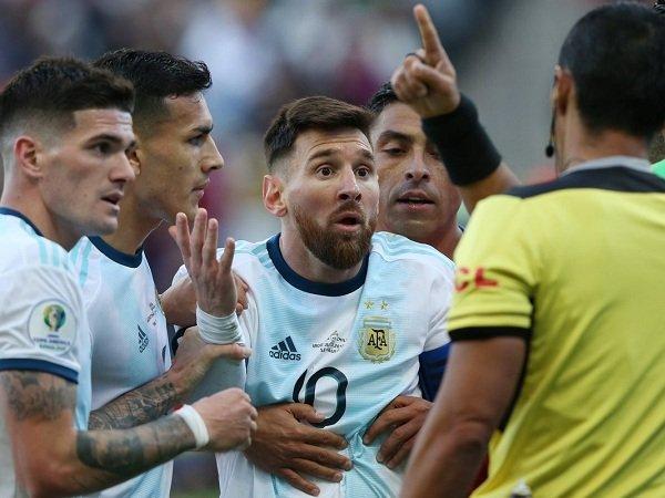 Dikartu Merah Kontra Cile, Messi Klaim Copa America Penuh Korupsi
