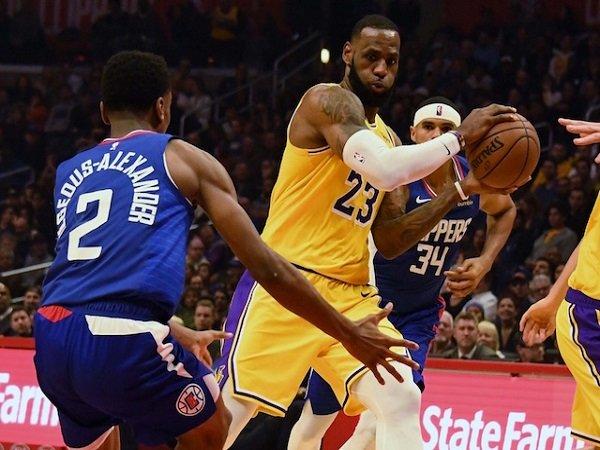 Lakers Berniat Geser LeBron James Menjadi Point Guard