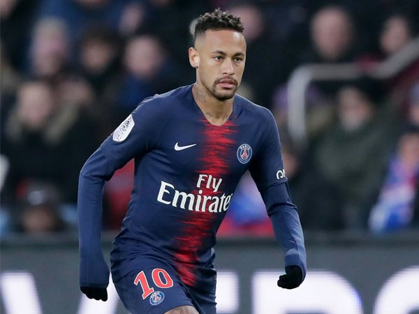 Jika Ingin Maksimalkan Neymar, Perlakukan Seperti Messi dan Ronaldo