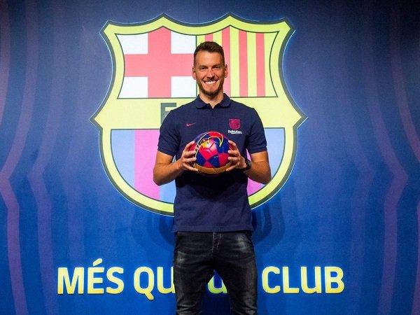 Neto Ungkap Alasan Pilih Gabung Barcelona