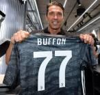 Sebelum Gabung Juventus, Buffon Sempat Tolak Duo Manchester