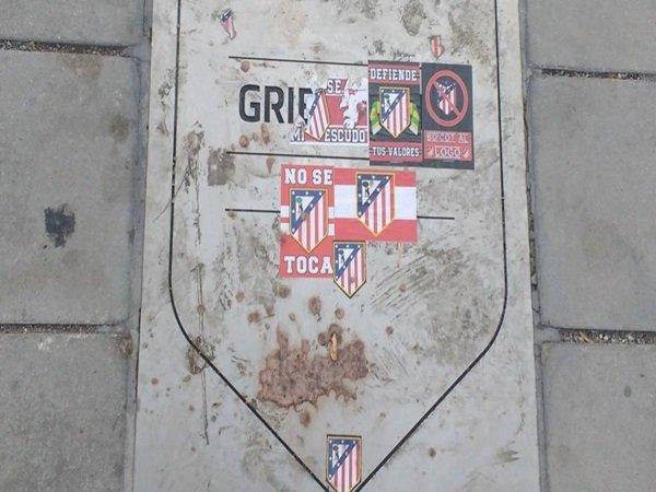 Kesal, Fans Atletico Rusak Plakat Penghormatan Griezmann di Wanda Metropolitano