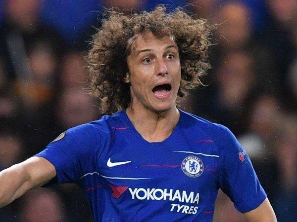 Luiz: Pemain Muda Harus Bisa Buka Pintunya Sendiri