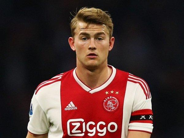 Transfer Matthijs de Ligt ke Juventus akan Diresmikan Senin Esok?