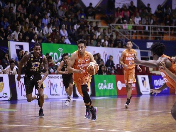 Muhammad Irman Resmi Gantung Sepatu Dari Dunia Basket Profesional