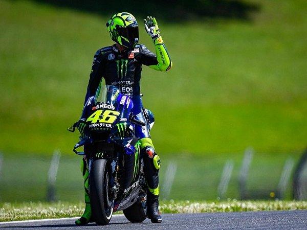 Carlo Pernat Menganggap Performa Buruk Valentino Rossi Disebabkan Oleh Timnya