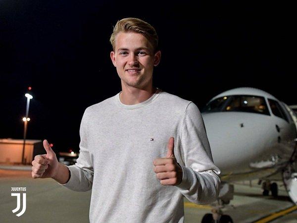 Matthijs de Ligt Tiba di Turin untuk Selesaikan Transfer ke Juventus