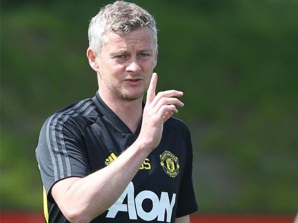 Solskjaer Beberkan Target Manchester United Musim Depan