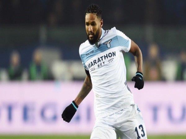 Defender Lazio Makin Merapat ke Wolverhampton Wanderers