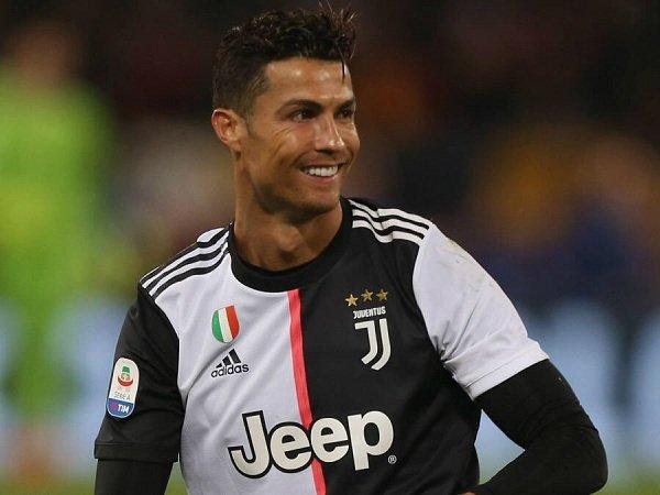 Ronaldo Ungkap Perbedaan Dirinya dengan Messi