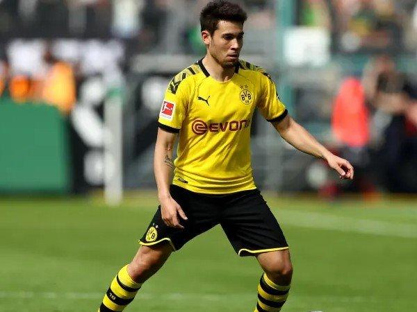 Borussia Dortmund Buka Peluang Jual Raphael Guerreiro