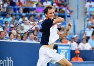 Novak Djokovic Gigit Jari, Daniil Medvedev Semakin Dekat Dengan Gelar Di Cincinnati