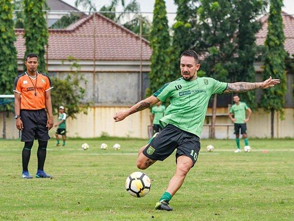 Damian Lizio Dicoret, Persebaya Bawa 18 Pemain di Lampung