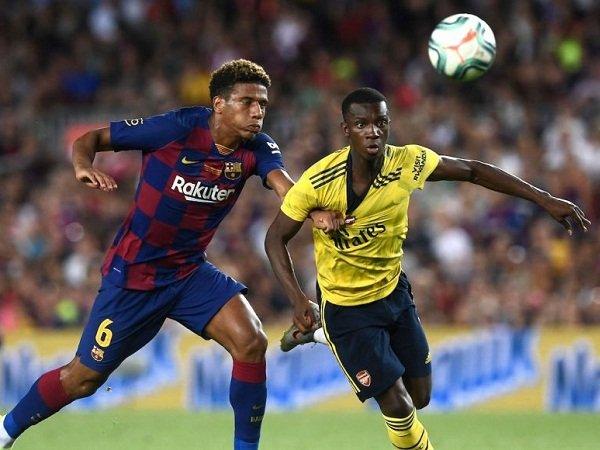 Jawab Ketertarikan Milan, Bek Muda Barcelona Ingin Bertahan di Klub