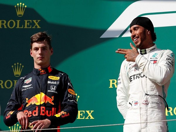 Meski Dominan, Verstappen Tak Beranggapan Bahwa Hamilton Adalah Pebalap Terhebat di F1