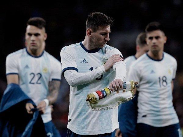 Tanpa Trofi Piala Dunia, Messi Masih Dianggap Belum Pantas Geser Maradona