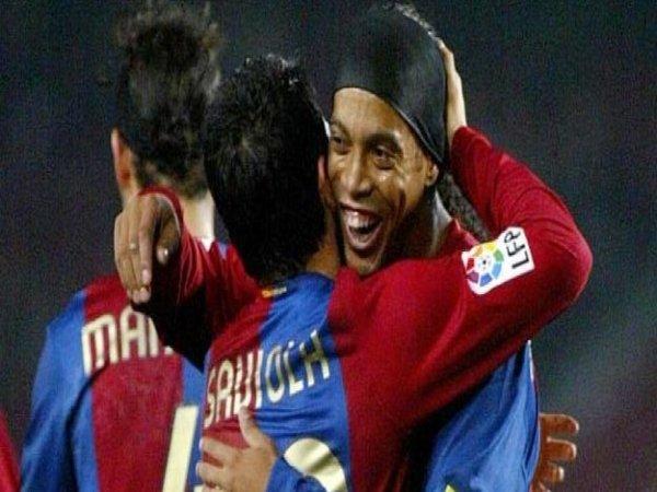 Javier Saviola Sebut Ronaldinho Sebagai Rekan Setim Paling Unik di Barcelona