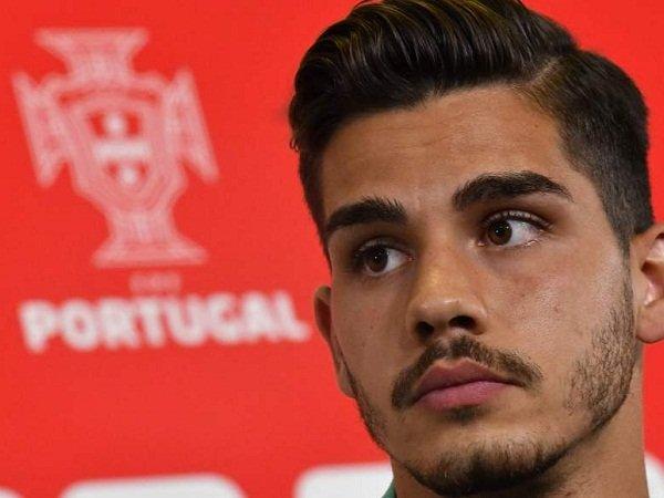 Sporting Tanyakan Peluang Rekrut Silva, Mercato Milan Kembali Terbuka