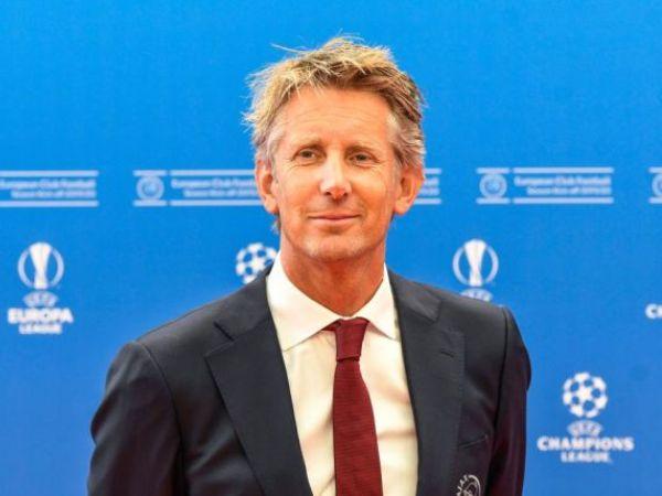 Van Der Sar Bantah Bakal Jabat Direktur Olahraga MU