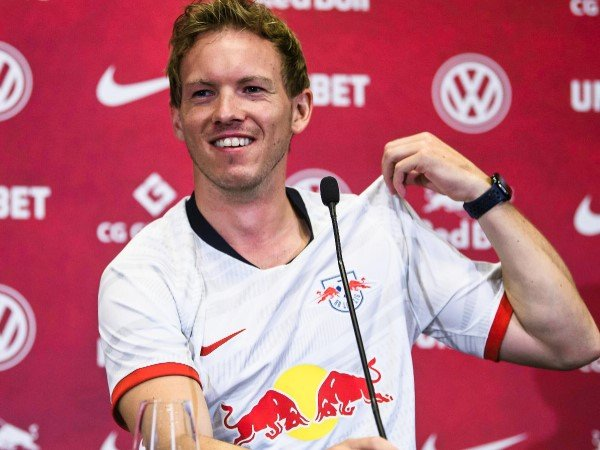Presiden Bayern Munich Sepelekan Kemampuan Pelatih RB Leipzig?