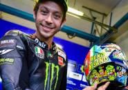 Rossi Pamerkan Helm Edisi Spesial MotoGP San Marino