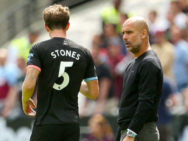 Guardiola Masih Percaya Pada Stones dan Otamendi