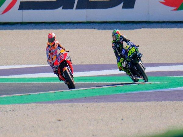 Rossi dan Marquez Tak Dijatuhi Penalti Usai Bersitegang di Sesi Kualifikasi