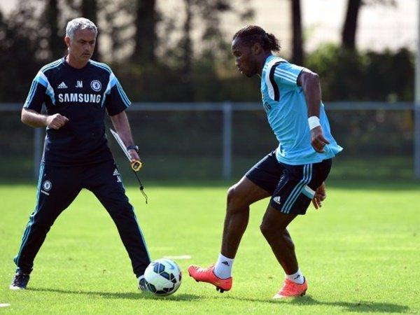 Drogba Menangis Saat Kepergian Mourinho dari Chelsea