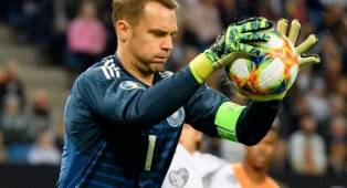 Manuel Neuer Berencana Pensiun Usai Piala Eropa 2020?