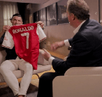 Ronaldo: Saya Pernah Nyaris Gabung Arsenal