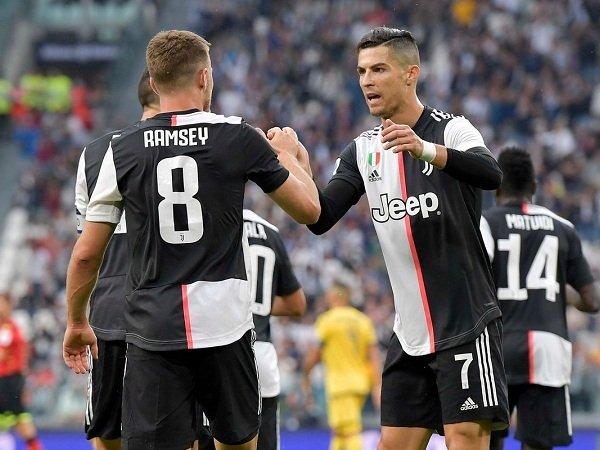 Ramsey dan Ronaldo Bikin Juventus Kalahkan Hellas Verona 2-1