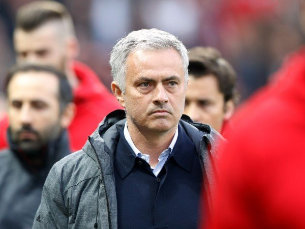 Penasaran Latih Klub Premier League, Mourinho Tolak Tawaran Lyon?