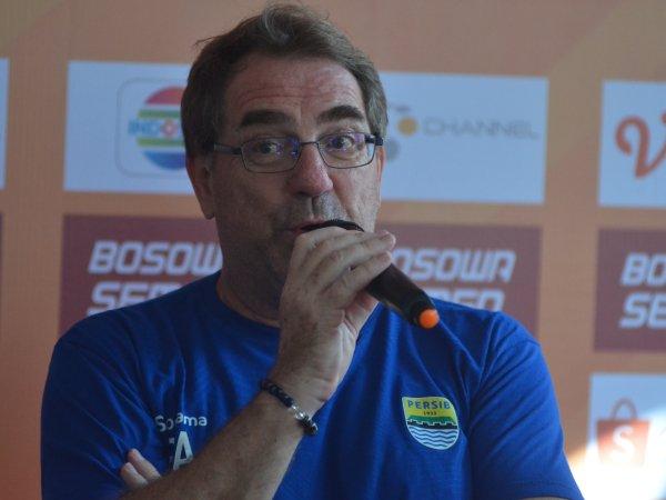 Persib Konfirmasi Timnya Tak Akan Jamu Persija di Bandung
