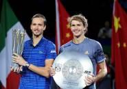 Alexander Zverev Gigit Jari, Daniil Medvedev Bawa Pulang Gelar Shanghai Masters