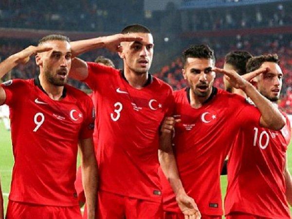 Calhanoglu Angkat Bicara Soal Selebrasi Kontroversial Timnas Turki