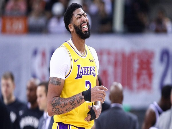 Fans Lakers Bernapas Lega, Anthony Davis Tak Alami Cedera Serius